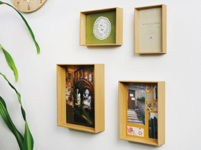 A stylish, simple photo frame set including 4 sizes.